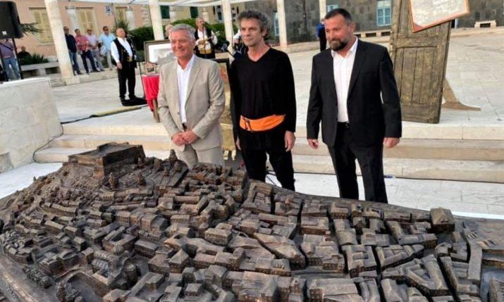 Bronze model of Šibenik Old Town unveiled