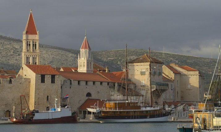 Trogir restricts use of single-use plastics